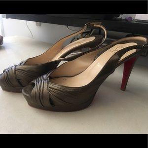 EUC Christian louboutin sz8 peeptoe platform heels